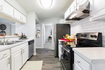 3831 Northgreen Ave 1-2 Beds Apartment for Rent Photo Gallery 1