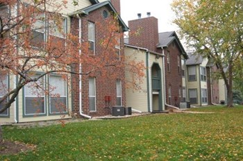 915 Peach Hill Lane 1-2 Beds Apartment for Rent Photo Gallery 1