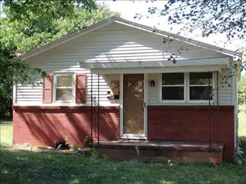 607 Brevard St 2 Beds House for Rent Photo Gallery 1