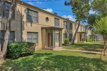 5445 N. New Braunfels 1 Bed Apartment for Rent Photo Gallery 1