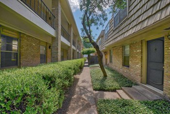1215 Townsend Ave 1 Bed Apartment for Rent Photo Gallery 1
