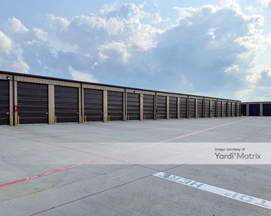 Storage Units for Rent available at 4500 South Collins Street, Arlington, TX 76018 Photo Gallery 1
