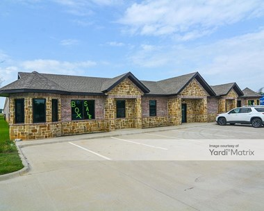 Storage Units for Rent available at 2130 West Pleasant Ridge Road, Arlington, TX 76015 Photo Gallery 1