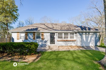 826 S MAIN ST 3 Beds House for Rent Photo Gallery 1