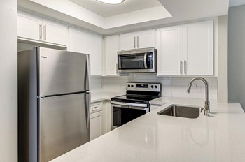 451 Wellesley Drive 1-2 Beds Apartment for Rent Photo Gallery 1