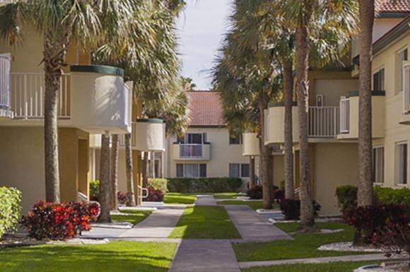 Vista Verde At Westchester Apartments 10495 Sw 14th