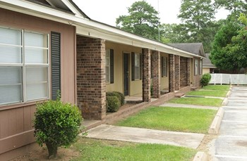 2224 Habersham Road 3 Beds Apartment for Rent Photo Gallery 1