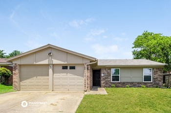 6421 KARY LYNN DR N 3 Beds House for Rent Photo Gallery 1