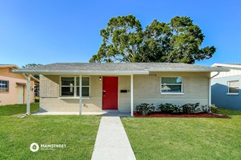 2574 35Th Ave N 3 Beds House for Rent Photo Gallery 1