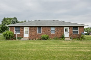 601 Center Rd. 2 Beds Apartment for Rent Photo Gallery 1