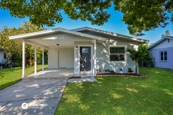1222 24TH AVE W 3 Beds House for Rent Photo Gallery 1