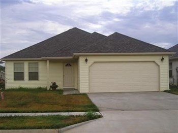 1112 S Brown Ave 3 Beds House for Rent Photo Gallery 1