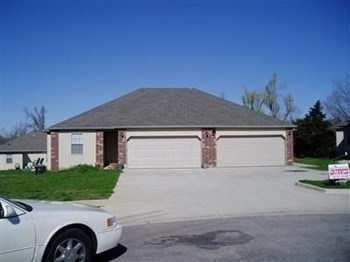 1957 S Bryson Cir 3 Beds House for Rent Photo Gallery 1