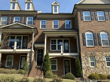 204 Penley Circle (TP) 3 Beds House for Rent Photo Gallery 1