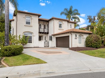 7205 Sanderling 4 Beds House for Rent Photo Gallery 1