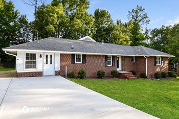 7034  Pinecrest Drive 3 Beds House for Rent Photo Gallery 1