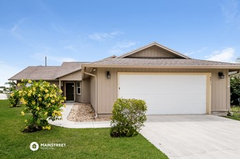 6811 SE RAINTREE AVE 3 Beds House for Rent Photo Gallery 1