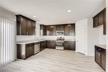 8061 Kings Guard St 4 Beds House for Rent Photo Gallery 1