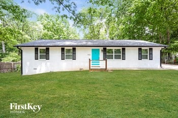743 Oak Drive 4 Beds House for Rent Photo Gallery 1