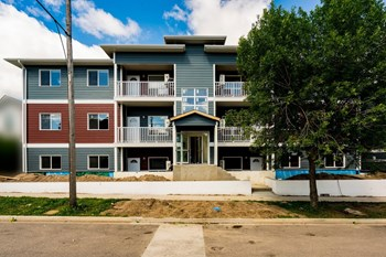 512 Princess Ave Studio Apartment for Rent Photo Gallery 1