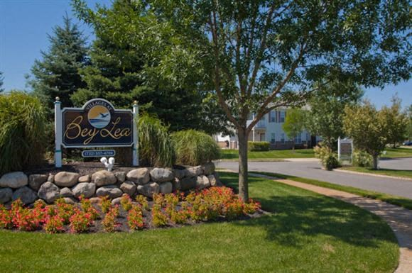 Villages At Bey Lea Apartments 30 Greenview Way Toms