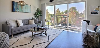 18552 Macarthur Blvd 3 Beds Apartment for Rent Photo Gallery 1