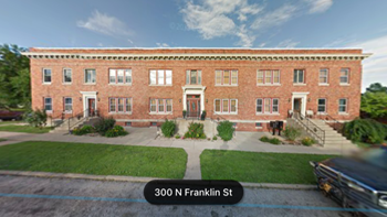 301 N Franklin 3 Beds Apartment for Rent Photo Gallery 1