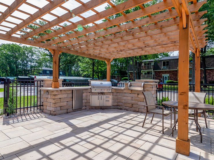 Outdoor Community Kitchen at Tiffany Woods Apartments in Muskegon MI