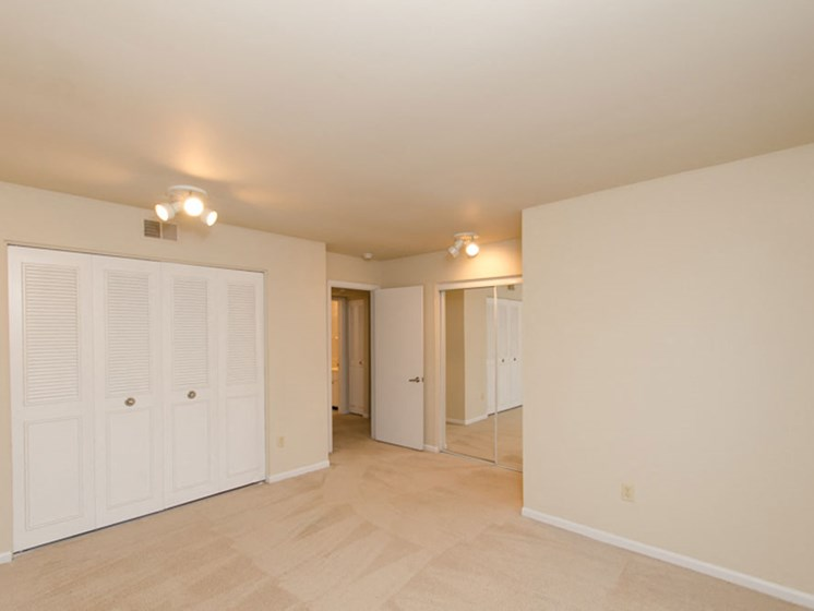 Apartments in Muskegon Closets