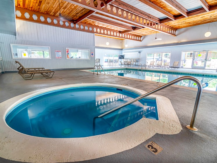 Apartments in Muskegon Hot Tub