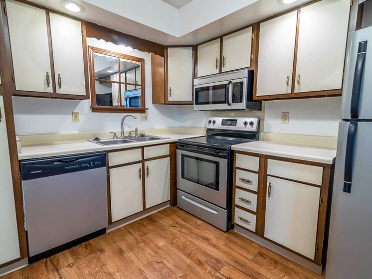 Apartments in Muskegon Kitchens
