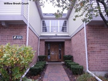 124 White Oak Ct, #01 1 Bed House for Rent Photo Gallery 1