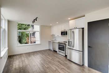 5057 37Th Ave S 2 Beds Apartment for Rent Photo Gallery 1