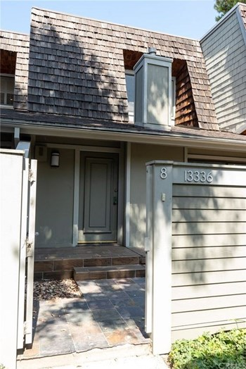 Unit 8 2 Beds House for Rent Photo Gallery 1
