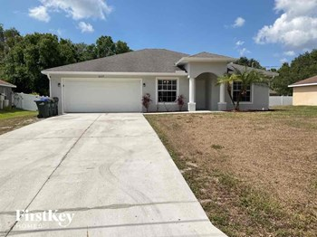 2637 Lacroix Avenue 3 Beds House for Rent Photo Gallery 1