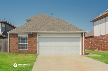 1803 SW 24TH ST 3 Beds House for Rent Photo Gallery 1