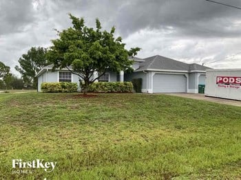 1825 NW 12Th Terrace 4 Beds House for Rent Photo Gallery 1