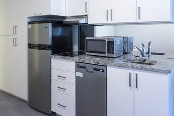 1900 Simcoe St N Studio Apartment for Rent Photo Gallery 1