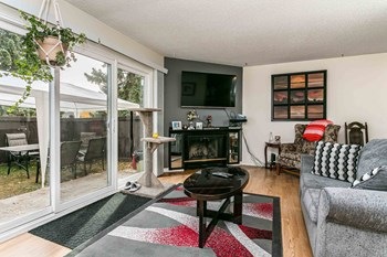 13904 117 Street 3 Beds Apartment for Rent Photo Gallery 1