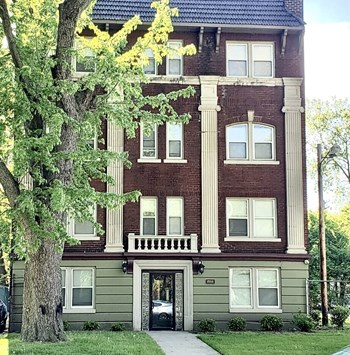 1944 E. 75Th St 1 Bed Apartment for Rent Photo Gallery 1