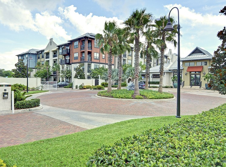 St. Petersburg, FL luxury apartment