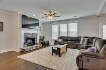 4042 Ellington Drive 5 Beds House for Rent Photo Gallery 1