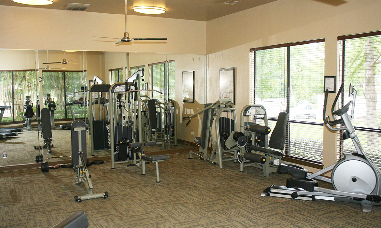 Ventana Oaks Luxury Apartment Homes, 9301 Spectrum Drive, Austin .