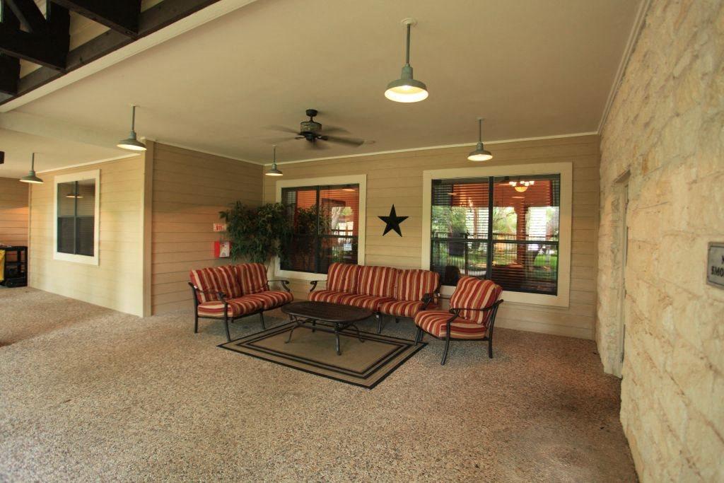Austin Oaks Apartments
