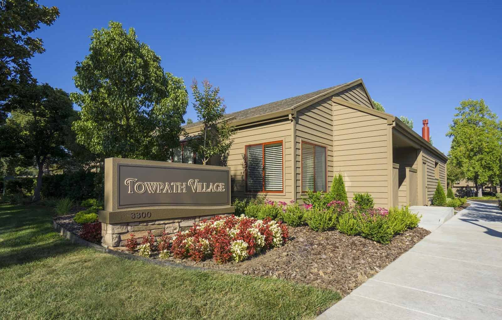 Apartments in Napa, Ca l Towpath Village