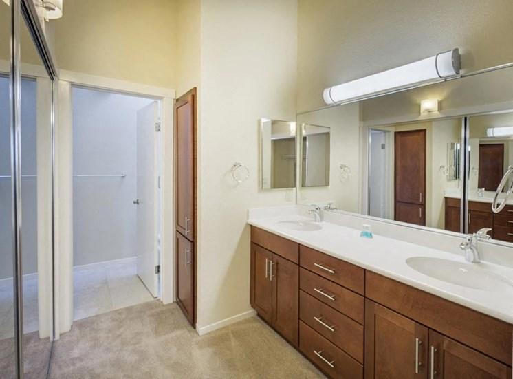 Apartments in Napa, Ca l Towpath Village | Bathroom