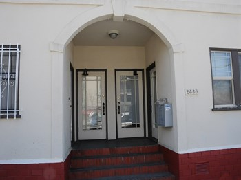 2456-2460 Parker St. Studio-3 Beds Apartment for Rent Photo Gallery 1