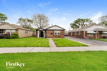 11709 S. Kedzie Ave. 2 Beds House for Rent Photo Gallery 1