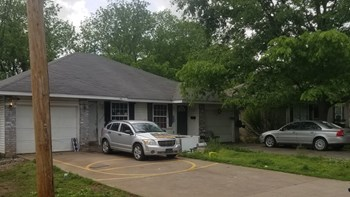 1781 North Drury Avenue 2 Beds House for Rent Photo Gallery 1