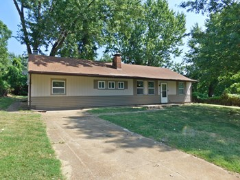 1931 Green Valley 4 Beds House for Rent Photo Gallery 1